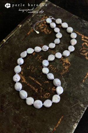 画像1: コイン型有核真珠 ネックレス ホワイト