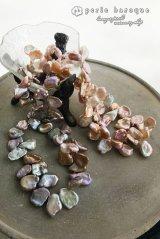 大粒花びら型セカンドパールネックレス ピンク/カーキパープル